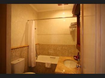 Sahira Butik Hotel Bogor - Kamar Deluks Regular Plan