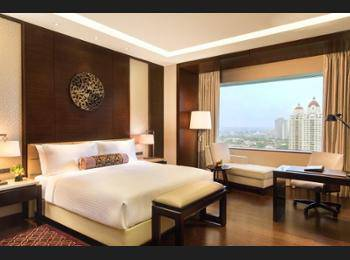 Fairmont Hotel Jakarta - Deluxe Room, 1 King Bed, Non Smoking Regular Plan