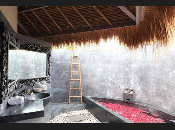 Villa Mathis Bali - Deluxe Double Room Hemat 35%