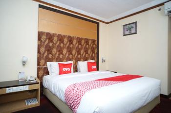 Capital O 1963 Hotel The New Benakutai Balikpapan - Deluxe Double Room Promotion