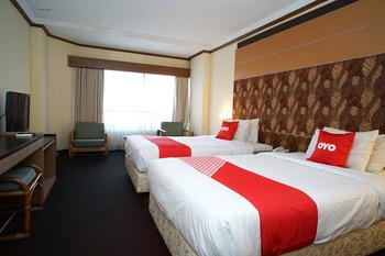 Capital O 1963 Hotel The New Benakutai Balikpapan - Deluxe Twin Room Promotion