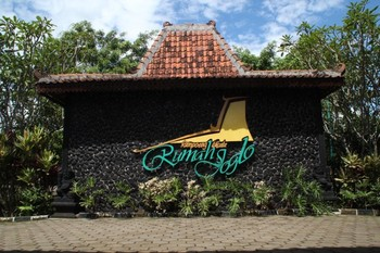 Kampoeng Wisata Rumah Joglo