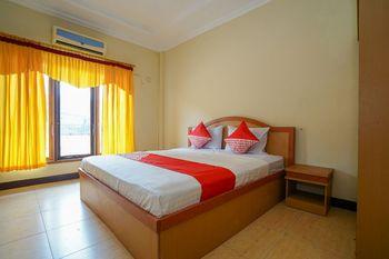 OYO 1273 Hotel Belvena Palembang - Standard Double Room Regular Plan