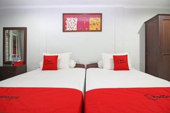 RedDoorz near Terminal Condong Catur Yogyakarta - RedDoorz Twin Room Last Minute
