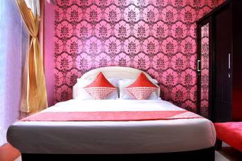 OYO 124 Green House Jakarta - Deluxe Double Room Last minute 41%