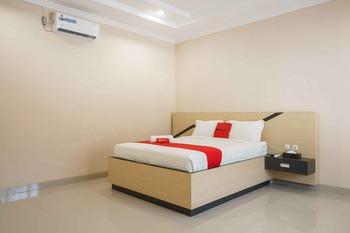 RedDoorz @ Hotel Copacobana Bengkulu Bengkulu - RedDoorz Room Basic Deal