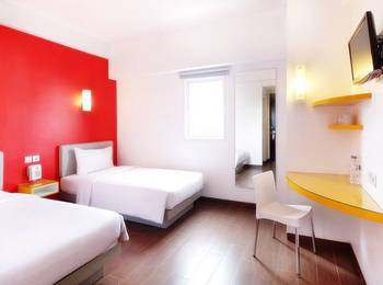Amaris Panakkukang - Smart Room Twin Offer Last Minute Deal
