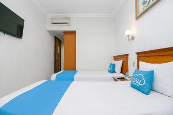 Airy Medan Petisah Gajah Mada 53 Medan - Superior Twin Room with Breakfast Special Promo Jan 5
