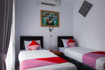 OYO 569 Cigadung Guest House