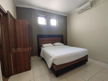 OYO 3756 Pilatus Hotel Bandung Bandung - Deluxe Double Room Promotion