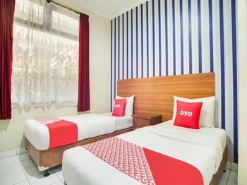 OYO 3756 Pilatus Hotel Bandung Bandung - Standard Twin Room Promotion