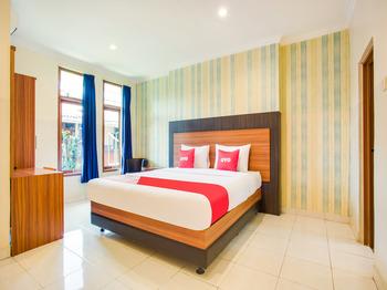 OYO 3756 Pilatus Hotel Bandung Bandung - Suite Double Early Bird Deal