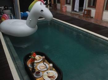 Antara Sunset Road Bali - Deluxe Room with Breakfast Regular Plan