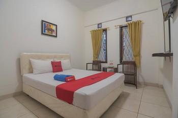 RedDoorz @ Buah Batu 4 Bandung - RedDoorz Room Basic Deal