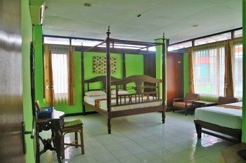 Hotel Syariah Wisma Nendra Yogyakarta - Family Room  Breakfast Regular Plan