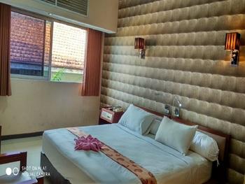 Hotel Penataran Asta Kediri - Deluxe Room Only Regular Plan