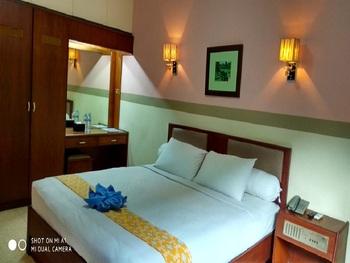 Hotel Penataran Asta Kediri - Superior Bathtub With Breakfast Regular Plan