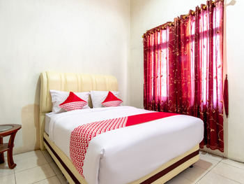 OYO 2777 Sleepover Sei Serayu Medan - Standard Double Room Regular Plan