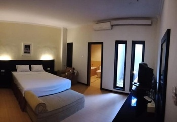 Hotel Permata Kendari Kendari - Suite Room Regular Plan