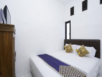 SPOT ON 2479 Berkah Residence Syariah Gresik - SPOT ON Double Regular Plan