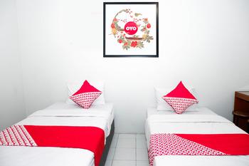 OYO 422 Achterhuis Residence Semarang - Deluxe Twin Room Regular Plan