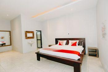 OYO 1188 Alam Indah Lestari Hotel Banyuwangi - Deluxe Double Room Promotion
