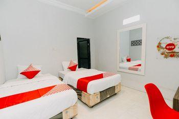 OYO 1188 Alam Indah Lestari Hotel Banyuwangi - Standard Twin Room Promotion