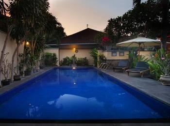 Hotel Jati & Homestay