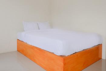 Lovina Inn Malang - Deluxe Double Room Regular Plan