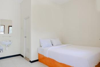 Lovina Inn Malang - Standard Double Room Regular Plan