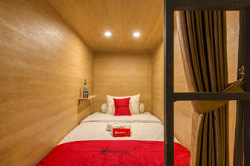 RedDoorz Hostel near Malang Train Station 3