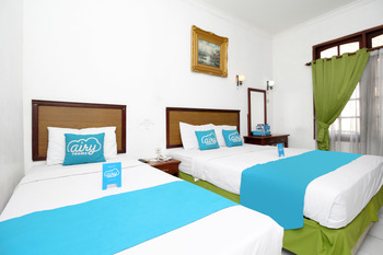 Airy Malioboro Sosrowijayan GT Satu 195 Yogyakarta - Family Double Room with Breakfast Regular Plan