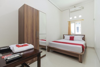RedDoorz near Universitas Palangkaraya Palangka Raya - RedDoorz Room Basic Deal