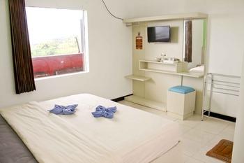 Villa Panderman Indah Malang - Standard Room Breakfast End of Year