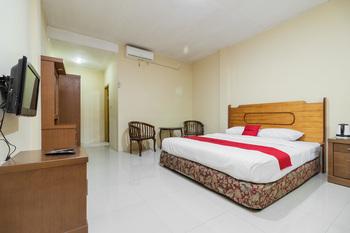 RedDoorz @ Jalan lintas Sumatera Lahat Lahat - RedDoorz Deluxe Room Basic Deal