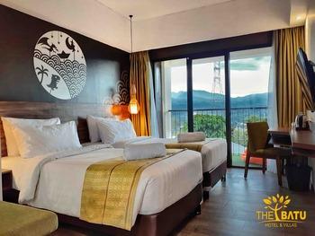 The Batu Hotel & Villas Malang - Superior Balcony Twinbed Kurma Deal