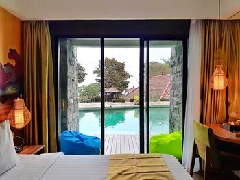 The Batu Hotel & Villas Malang - Superior Pool Access Smoking Kingbed Best Deal