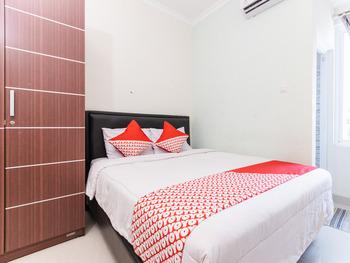 OYO 1975 Bale Ikite Makassar - Standard Double Room Regular Plan