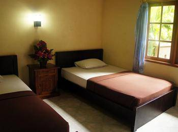 Waringin Homestay Bali - Kamar Basic dengan kipas angin Regular Plan
