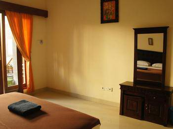 Waringin Homestay Bali - Kamar Superior dengan AC Regular Plan