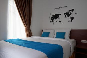 Cemerlang Inn Palembang - Superior Double Room - 3rd Floor MIN. STAY
