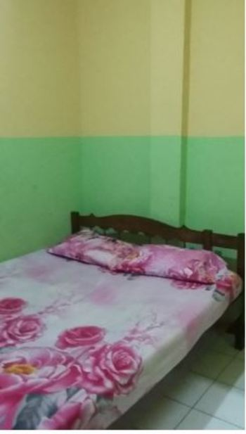 Penginapan Istana Sidoarjo - Superior Double Room with Fan Room Only FC Basic Deal 40%
