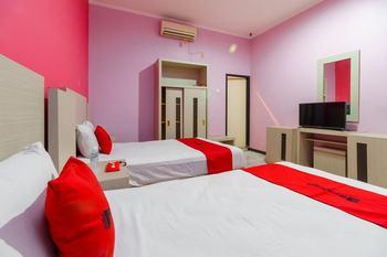 RedDoorz near RS RK Charitas Palembang Palembang - RedDoorz Twin Room Last Minute