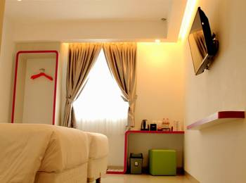Uniq Hotel Jogja - Deluxe Double Bed room only Early Deal