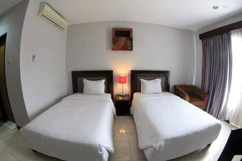 Grand Mutiara Hotel Bontang - Deluxe Twin - Kalimantan Deals Regular Plan