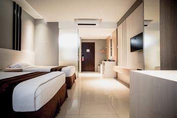 Hotel Asri at Plaza Asia Tasikmalaya Tasikmalaya - Deluxe Room Only Regular Plan