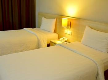 Grand Cakra Hotel Malang - Deluxe Twin Room Only Regular Plan