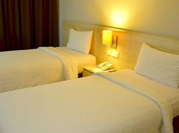 Grand Cakra Hotel Malang - Deluxe Twin Regular Plan