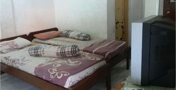 Hotel Indah Syariah Surabaya - Twin Room Only NRF Minimum Stay