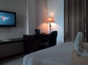 Hotel Bonero Residence Bojonegoro - Deluxe Room Twinn With Breakfast Regular Plan